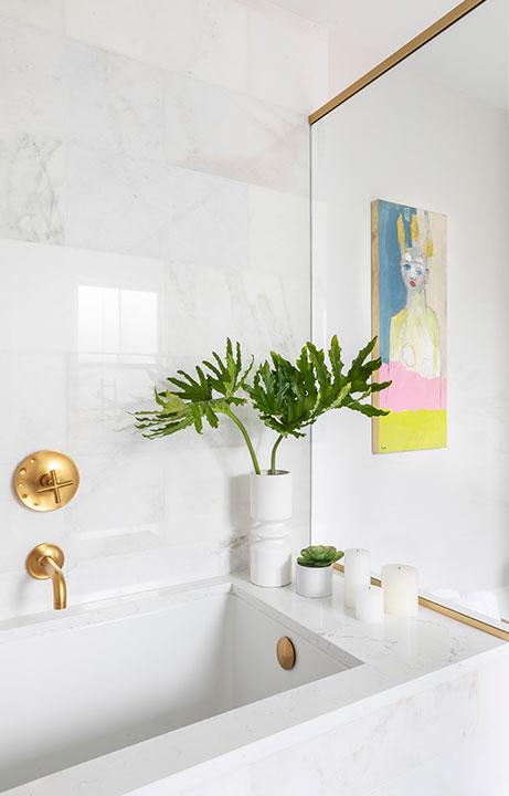 Shower Tub Combo Detail, A Marble Gem, Bath Design - Valerie Legras Atelier